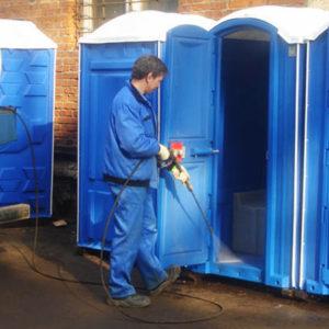 Обслуживание мобильных туалетных кабин