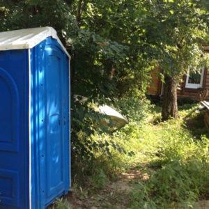 Туалетные кабины на дачу