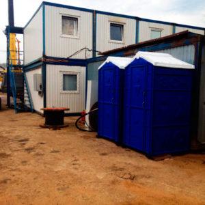 Туалетная кабина на стройке
